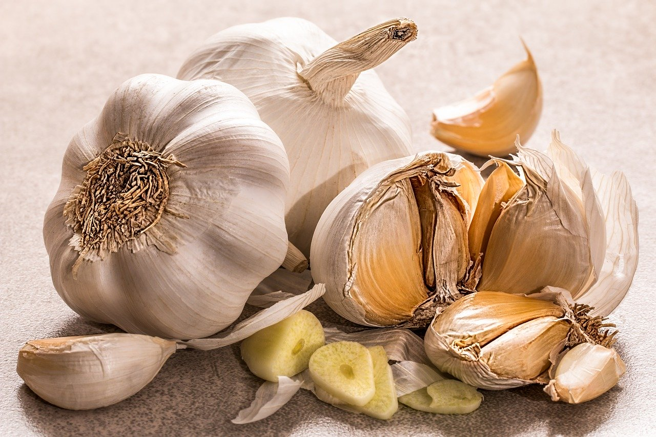 Does Garlic Really Help Control Blood Sugar?