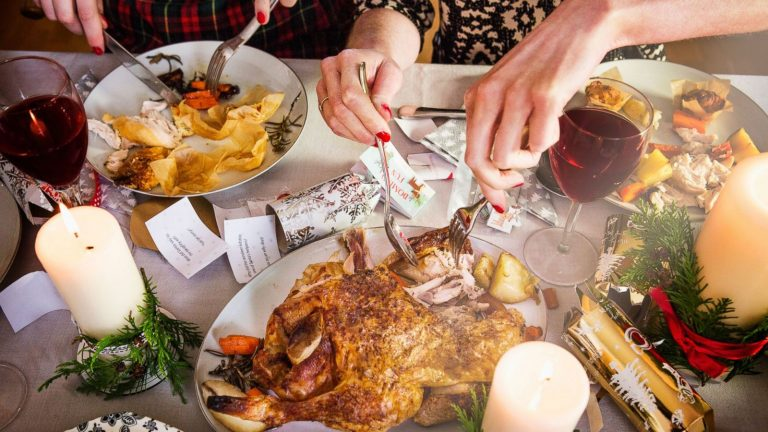 5 Tricks for Avoiding Those Holiday Pounds